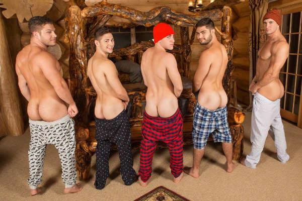 5 potes montrent leurs fesses