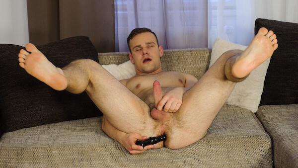 chapelet anal gay dans le cul