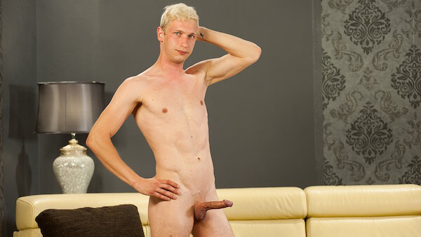 gay blond érection
